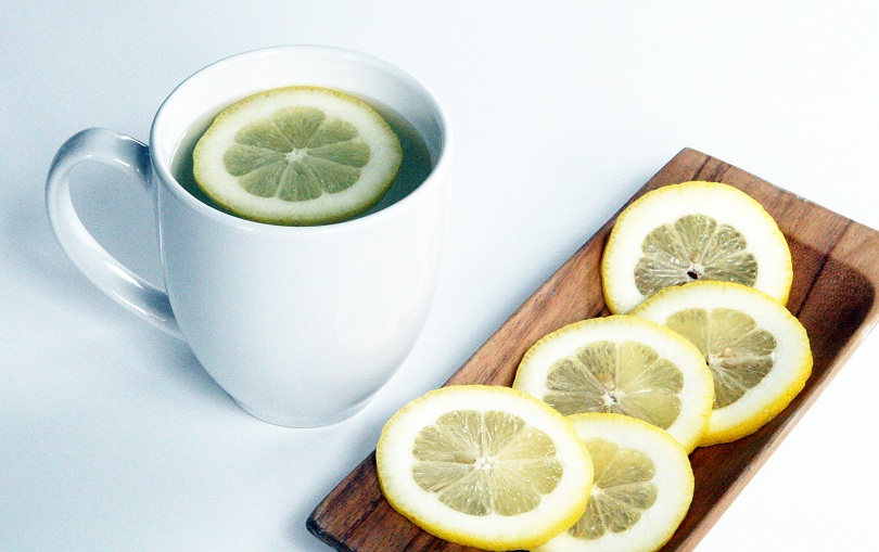 what-happens-to-your-body-when-you-drink-warm-lemon-water-early-in-the-morning[1]