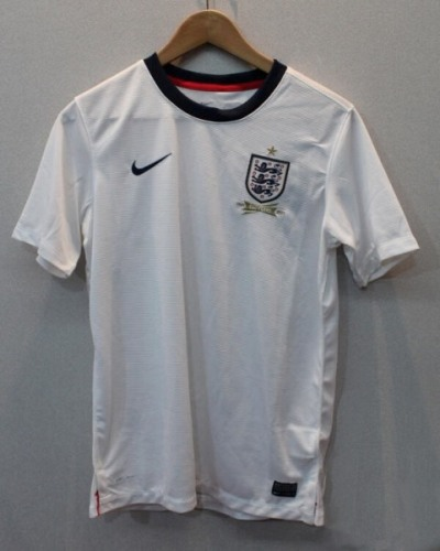 1364408607_nike-england-2013-home-kit-150-years