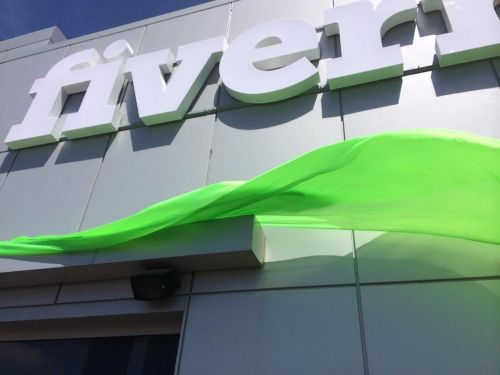 unveiling-fiverr-logo-in-our-hq