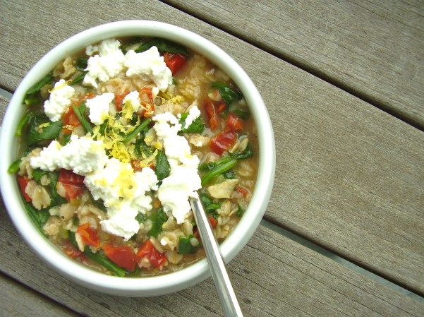 Savory-Spinach-Goat-Cheese-Oatmeal1-e1407878173614
