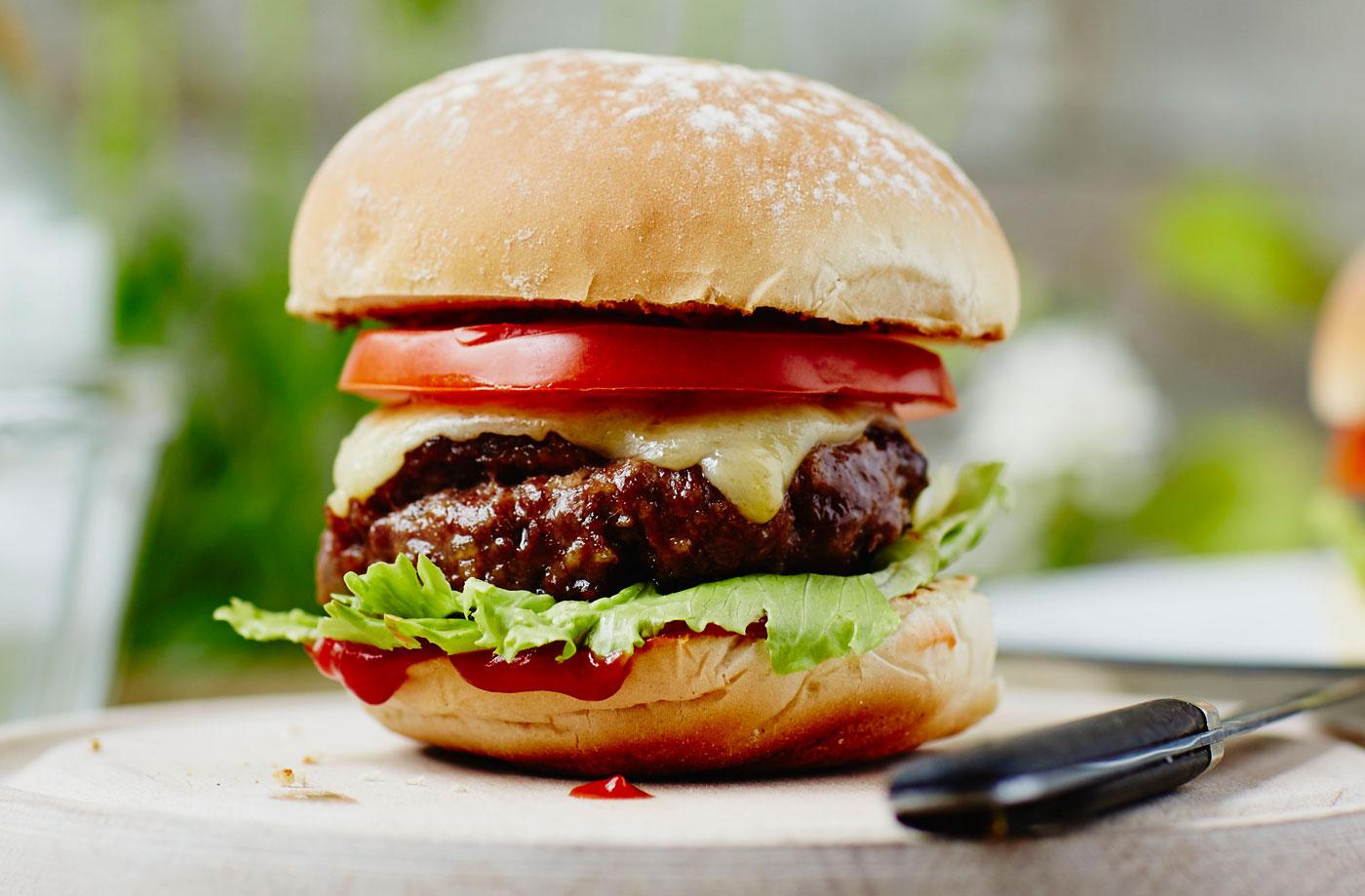 Burger-31LGH-a296a356-020c-4969-86e8-d8c26139f83f-0-1400x919