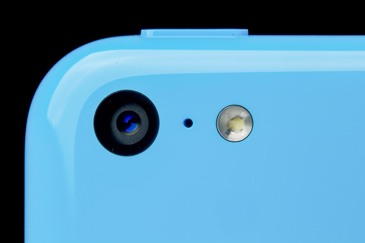 apple-iphone-5c-macro-rear-camera-1500x1000
