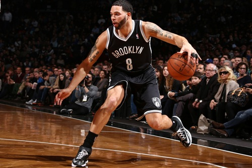 NEW YORK, NY - JANUARY 31: Deron Williams #8 of the Brooklyn Nets handles the ball against the Oklahoma City Thunder at the Barclays Center on January 31, 2014 in the Brooklyn borough of New York City. NOTE TO USER: User expressly acknowledges and agrees that, by downloading and/or using this Photograph, user is consenting to the terms and conditions of the Getty Images License Agreement. Mandatory Copyright Notice: Copyright 2014 NBAE (Photo by Nathaniel S. Butler/NBAE via Getty Images)
