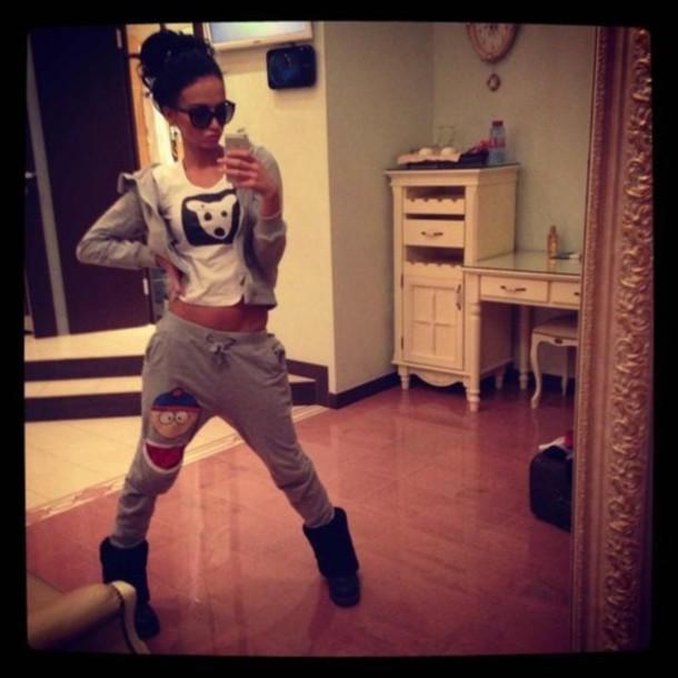 kfn0y3-l-610x610-pants-sweatpants-jogging-tracksuit-skate-southpark-animation-iphone-instagram-umblr-grey-sport-girl--wag-fash