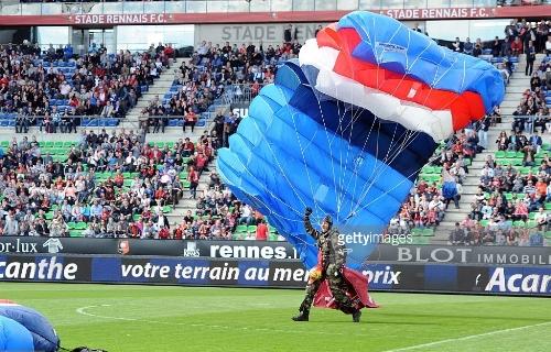 parachutist 4
