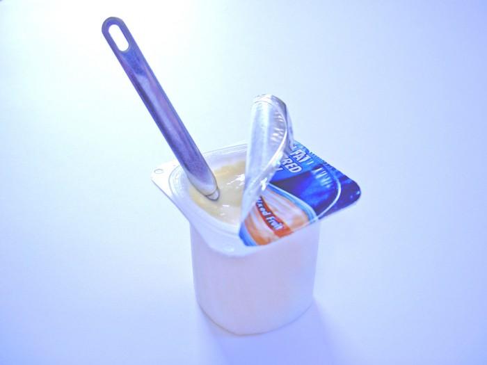 yogurt-healthy-snack-1513988-700x525