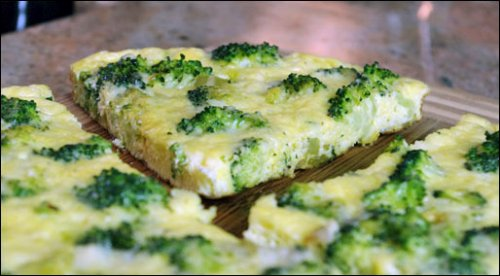 Frittata with broccoli and sweet peppers 2