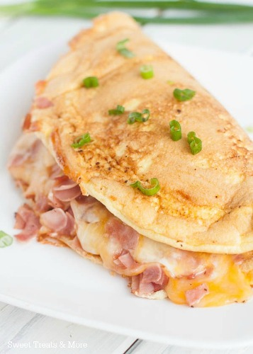 Omelet-souffle with ham and cheese 3