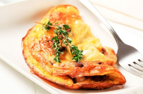 Omelet-souffle with ham and cheese 5