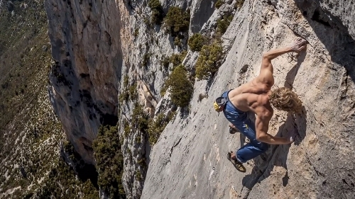 Free soloing 2