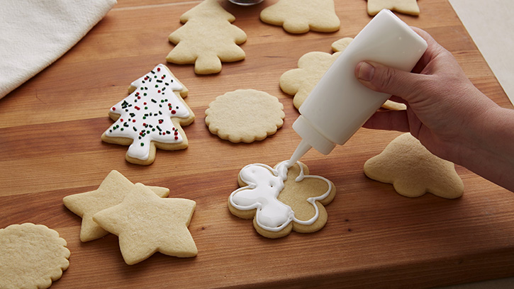 how-to-decorate-with-royal-icing_05