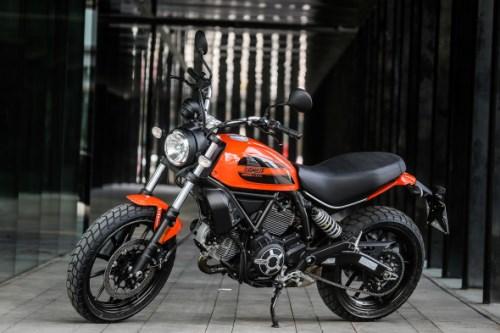 Ducati Scrambler Sixty2 1