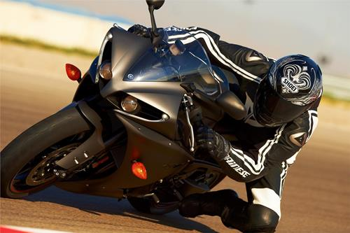 Yamaha YZF R1 4