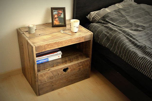 19-Simply-Brilliant-Cheap-DIY-Nightstand-Ideas-homesthetics-decor-16