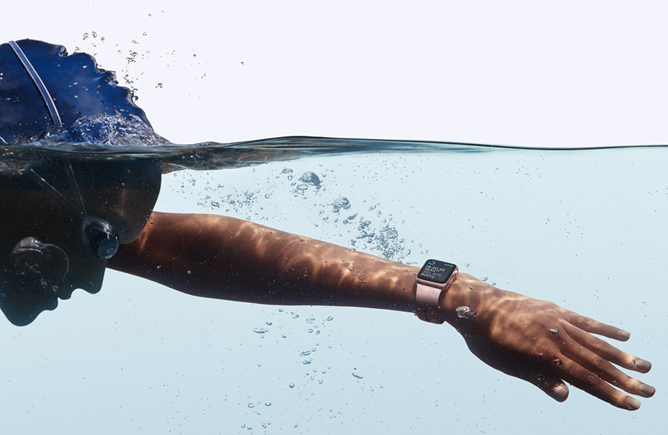Apple_Watch_Series_2-Swimming