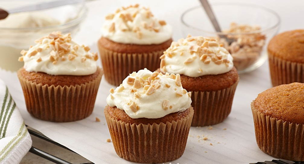 Pumpkin Cupcakes with Almond Cream Cheese Frosting_Recipes_1007x545