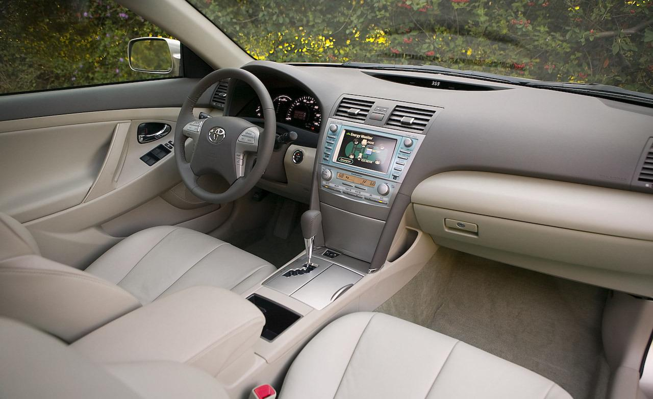 2008-toyota-camry-hybrid-interior-photo-214175-s-1280x782
