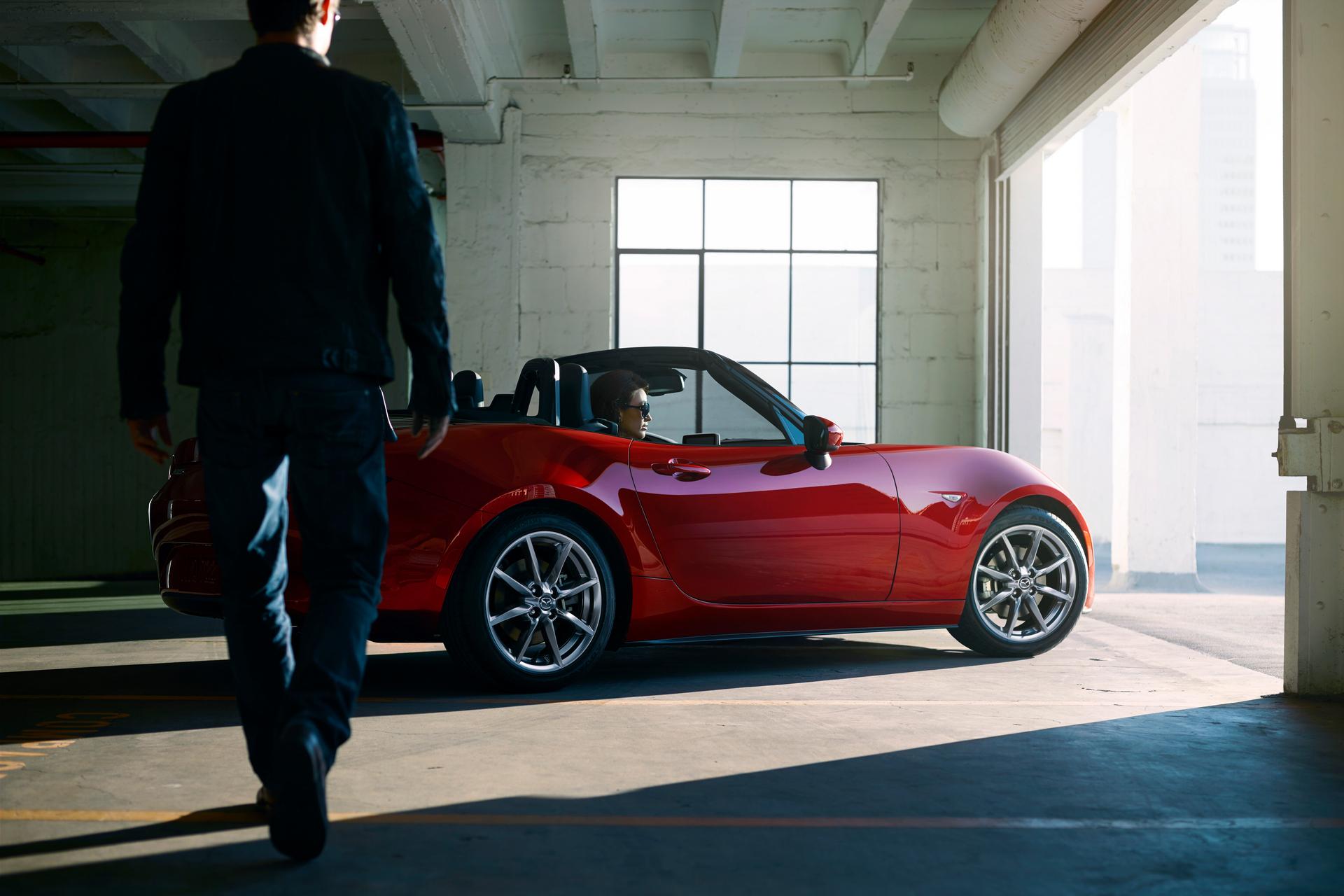 2016-Mazda-MX-5-Miata-