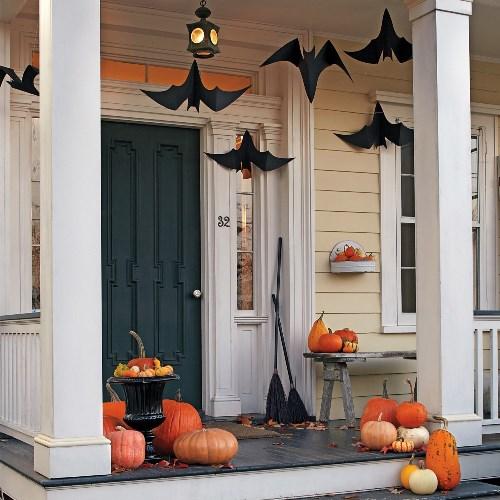 23-halloween-decoration-ideas-diy-Outdoor-Halloween-Decorations-Halloween-Door-Decorations