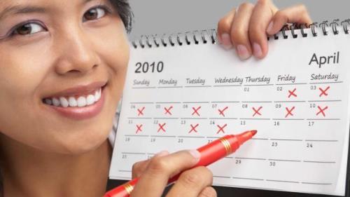PHG111_woman-calendar-pregnant_FS