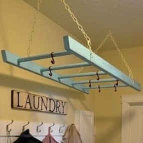 laundry-ladder-wondering-what-to-do-with-that-old-wooden-ladder-give-it-a-coat-of-paint-in-your-favorite-color-and-hang-it-from-your-cei