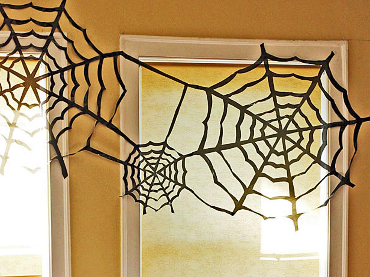 original_Jessica-Jones-trashbag-spider-web_Crop.jpg.rend.hgtvcom.1280.960