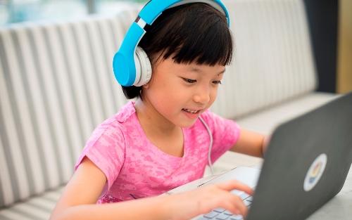 LilGadgets-Headphones261-copy
