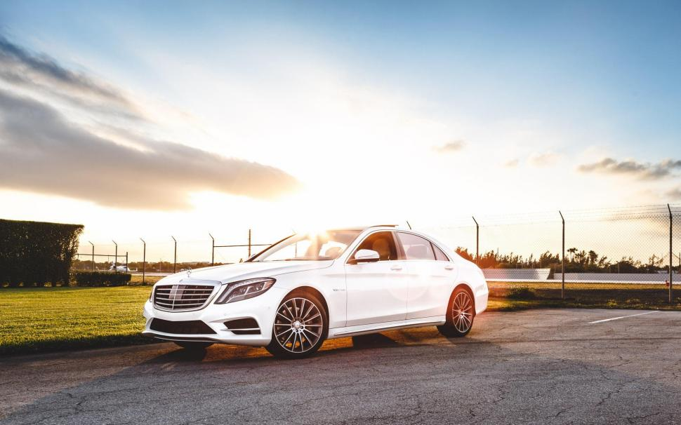 mercedes-benz-s550-amg-white-car-at-sunset-1080P-wallpaper-middle-size