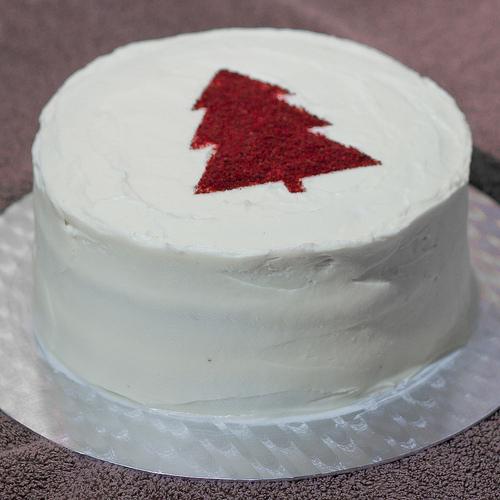 Red-Velvet-Christmas-Cake