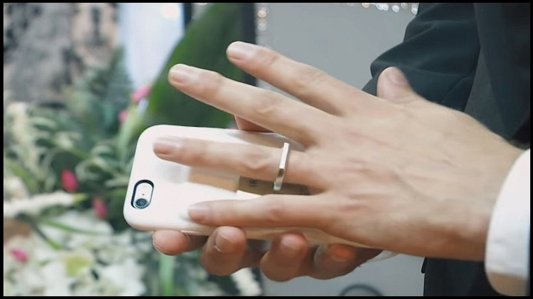 man-marries-iphone