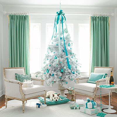 white-christmas-tree-colorful-theme-ideas-decoration-teal-blue-stylish-very-unique-combination-for-holiday-decor-idea