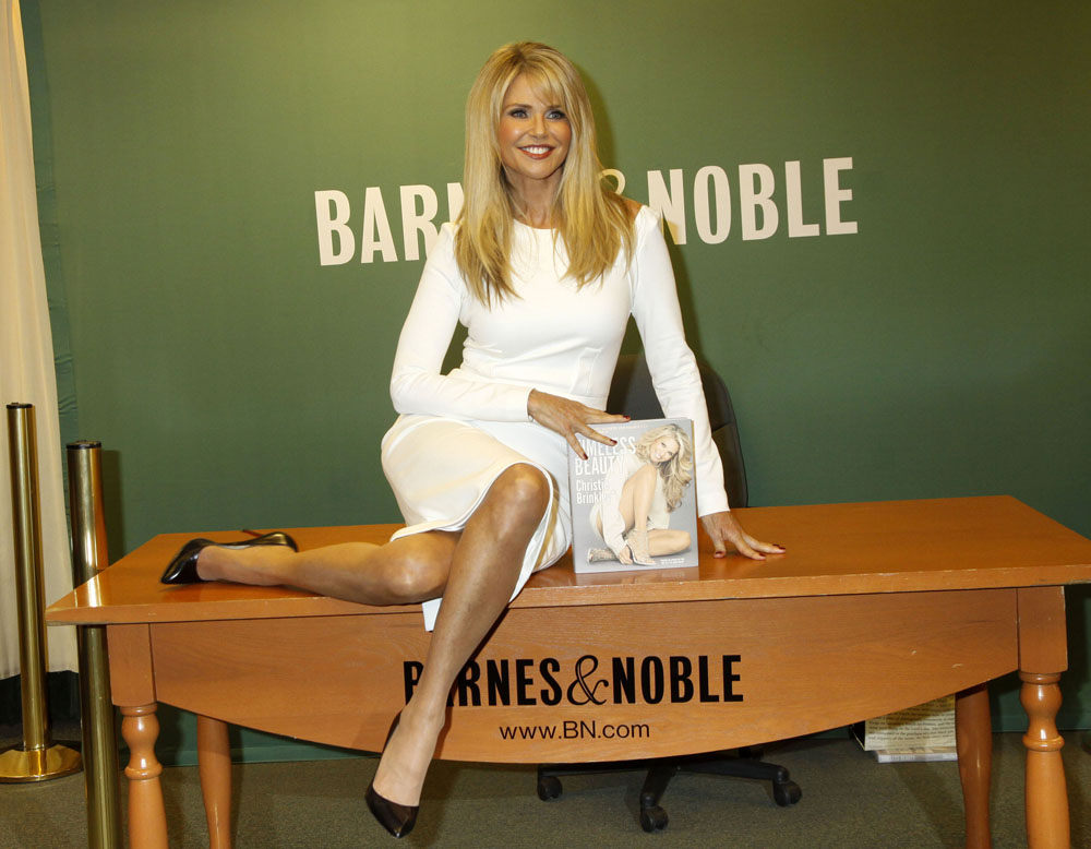 51904461 Christie Brinkley signs copies of 'Timeless Beauty: Over 100 Tips, Secrets, and Shortcuts To Looking Great' at Barnes & Noble, 5th Avenue on November 10, 2015 in New York City. FameFlynet, Inc - Beverly Hills, CA, USA - +1 (818) 307-4813