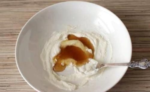 Cottage cheese and honey