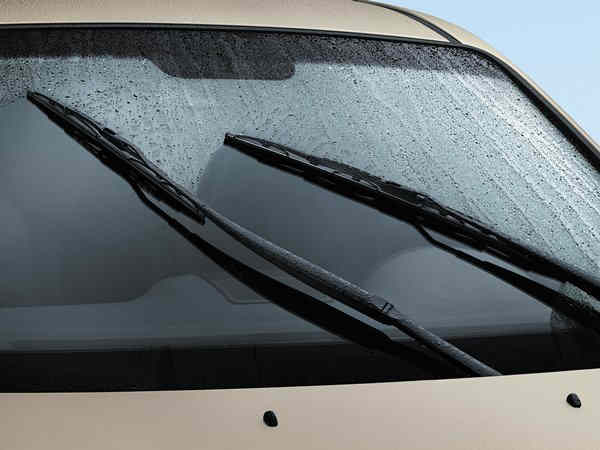 Buying-the-windshield-wipers