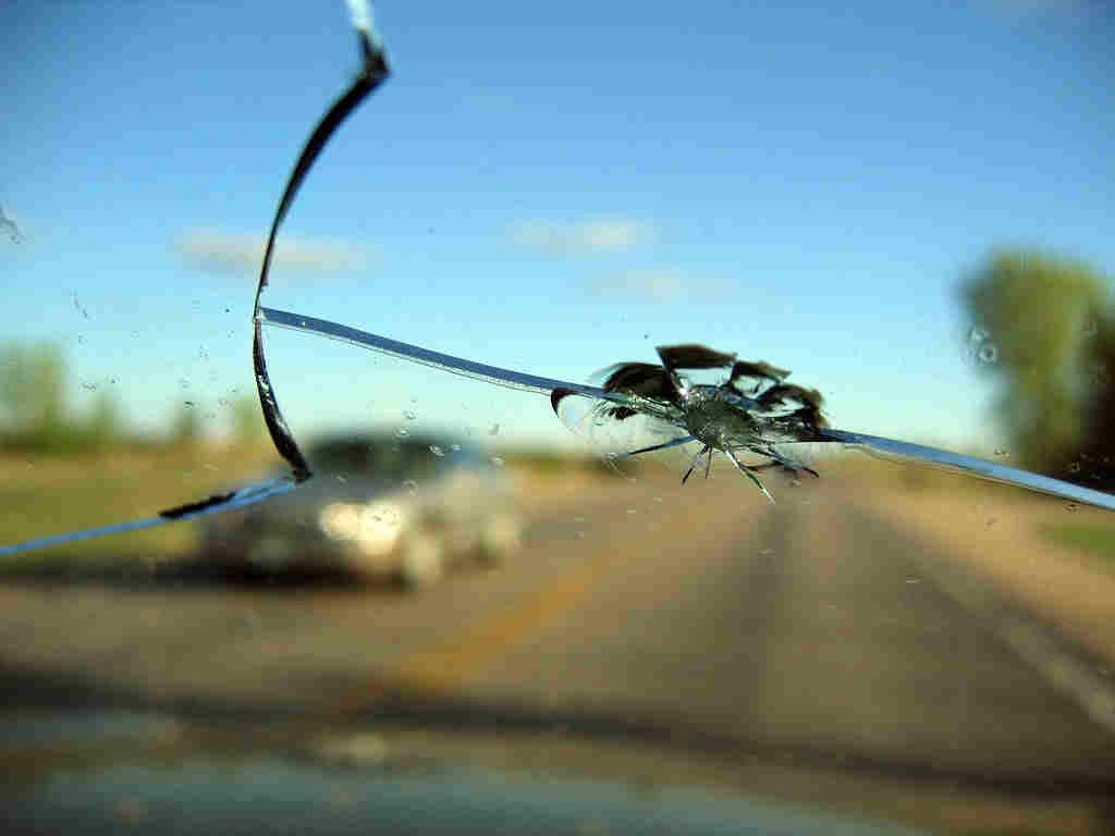 chipped-windshield-repair-dangerous