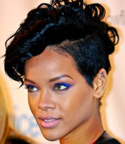 Rihanna Hairstyles Top 35 Looks In Different Years Jiji Blog