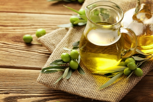 Oils For Skin Whitening: Top 8 List For The Maximal Result