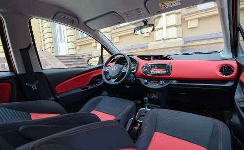 Toyota Yaris 2008 interior