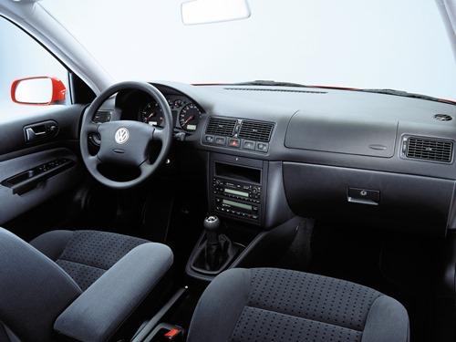 Volkswagen Golf 4 2004 interior