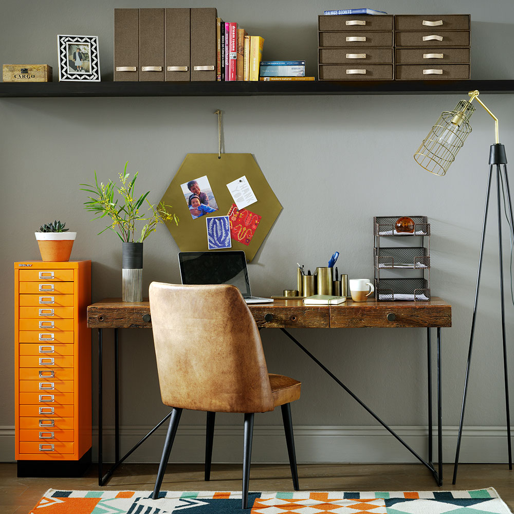 Interior Design Ideas For Home Office: How To Organize Your Desk At Work